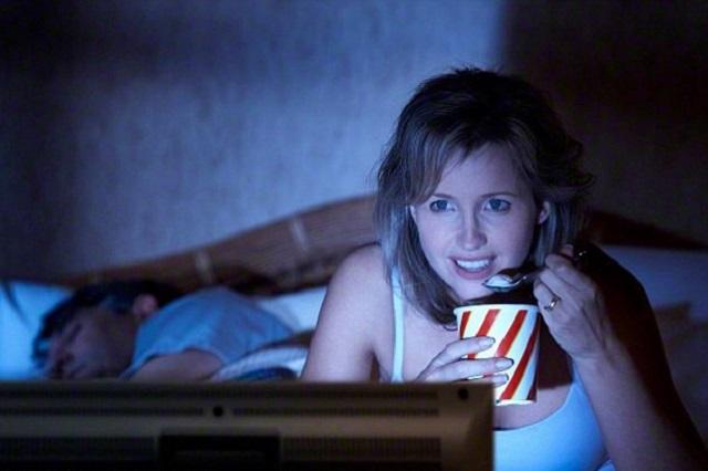 Thói quen ăn đêm có thể khiến sức khỏe bạn bị đe dọa