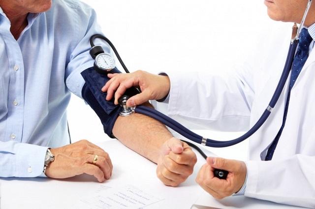 Giãn tĩnh mạch tinh tiến triển một cách âm thầm vì thế cần phải điều trị sớm